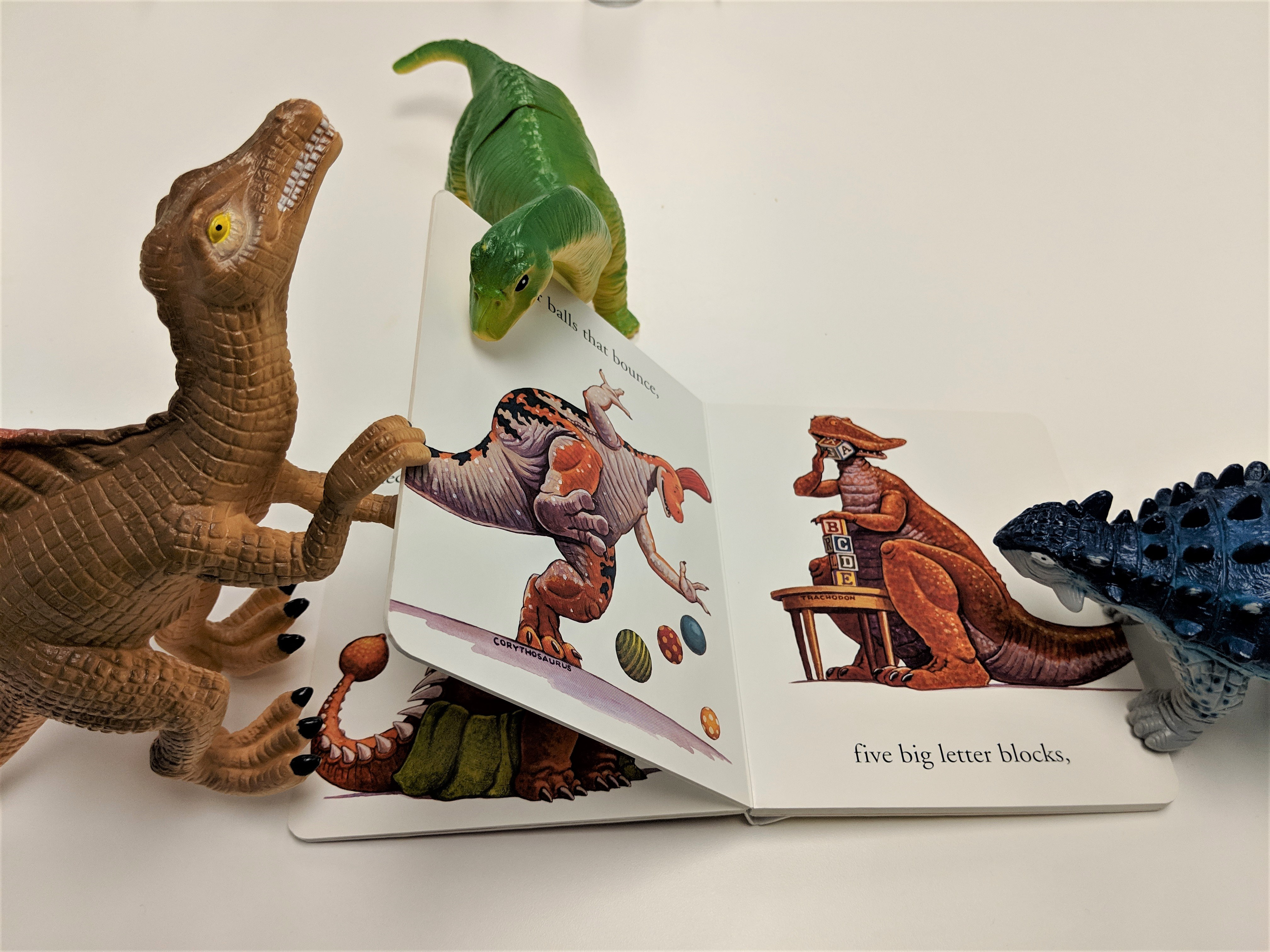 dinovember, dinosaurs, reading,